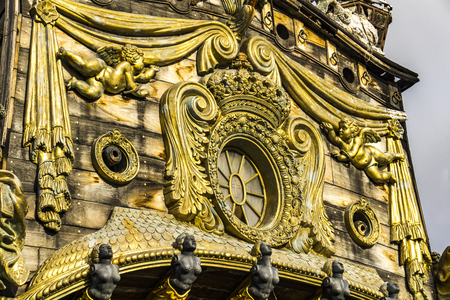 GÉNOVA, ITALIA - 9 DE MARZO DE 2018: Galleon Neptun en Porto antico en Génova, Italia. Es una réplica de un galeón español del siglo XVII construido en 1985 para la película Pirates de Roman Polanski. Foto de archivo - 99763816
