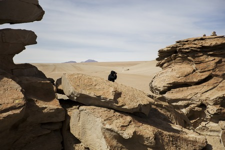 Rock formations of Dali desert in Bolivia at Eduardo Avaroa Andean Fauna National Reserve in Bolivia 版權商用圖片
