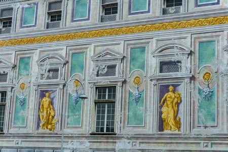 GENOA, ITALY - MARCH 11, 2018: Palazzo San Giorgio in Genoa, Italy. Palace was built in 1260 and facade was refrescoed in the late 19th century 스톡 콘텐츠 - 101947521