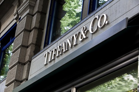 ZURICH, SWITZERLAND - MAY 17, 2018: Detail of Tiffany and co. shop in Zurich, Switzerland. It  is an American multinational luxury jewelry and specialty retailer founded at 1837. Redactioneel