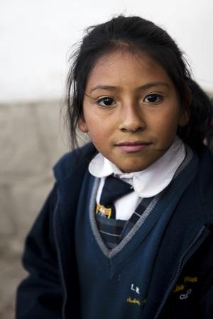 CUSCO, PEROU - 6 janvier 2018: femme non identifiée de Cusco, Pérou. Cusco est une ville des Andes péruviennes et était autrefois la capitale de l'empire inca.