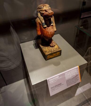トリノ、イタリア - 2015年6月3日:トリノ、イタリアのエジツィオムセオからの詳細。博物館は、30,000以上の工芸品を持つエジプトの古代の最大のコレ