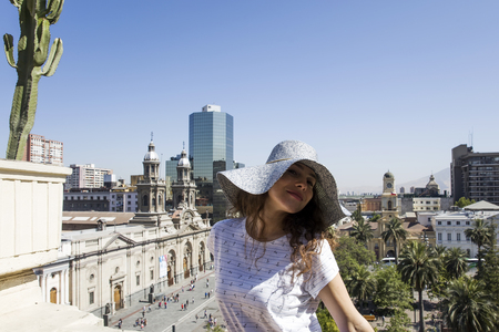 Portrait of young female tourist in Santiago de Chile, Chile 報道画像
