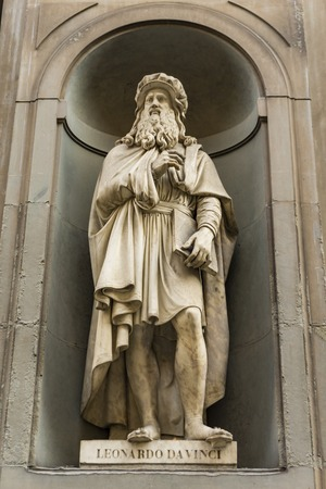View at Leonardo da Vinci monument in Florence, Italy Stockfoto