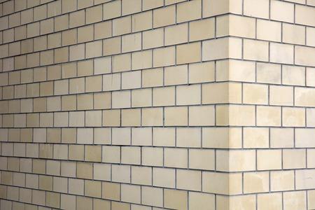 Closeup detail of the brick wall corner Banque d'images - 110858290