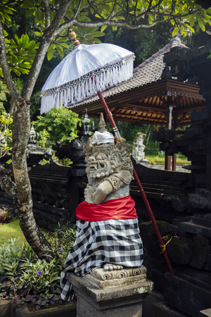 Closeup detail from the Balinese Hindu temple Pura Goa Lawah in Indonesia Banco de Imagens