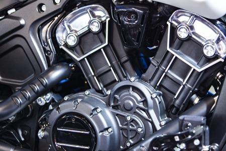 Nahaufnahmedetail des glänzenden Motorradmotors Standard-Bild