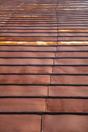 Detail of the roof rusty corrugated iron metal texture 版權商用圖片 - 125405137