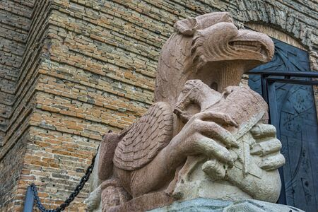 Detail of the griffin at entrance to St. Justina Basilica, Padua, Italy Banque d'images - 126707310