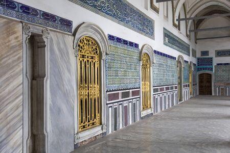 Incredibile e bellissimo interno del palazzo Topkapi a Istanbul, Turchia