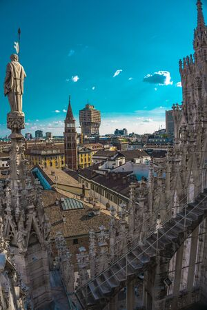 Panoramic view of the skyline of the city seen from the terraces of Milan Cathedral in Italy Imagens - 130616105