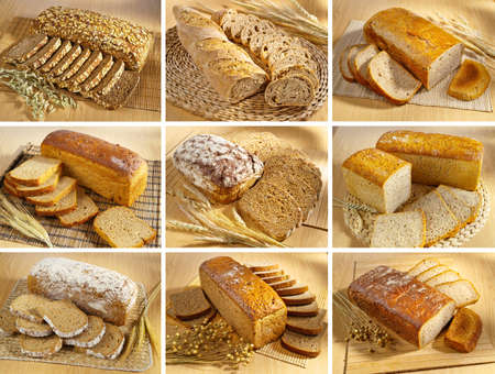 Set of breads arrangement on wooden table Banco de Imagens