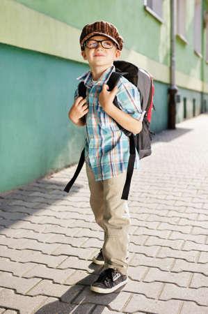 Tiempo para la escuela - chico soñador