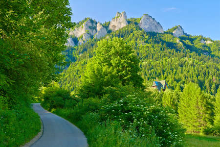 Trail to the top of the Three Crowns in Pieniny mountains near the hut  Banco de Imagens