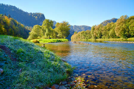 Mountain landscape with Dunajec river  Trail from Szczawnica, Poland  Banco de Imagens