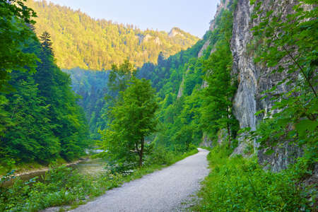 defile: Trekking trail in The Dunajec River Gorge  The Pieniny Mountains  National border between Poland and Slovakia