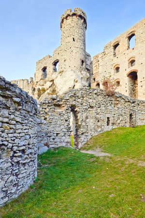 Ruins of old medieval The Ogrodzieniec Castle in Poland   Banco de Imagens