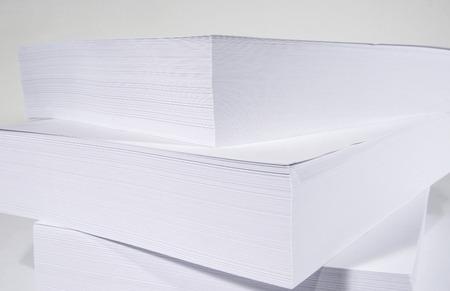 papier vierge: Pile of blank paper