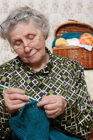 spectacled: spectacled grandmother to crochet cardigan