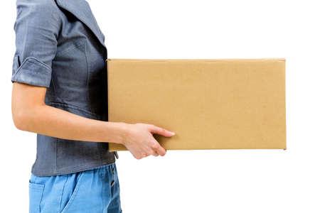 Trabalhador carregando caixa de papel Banco de Imagens