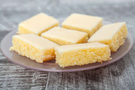 lemon pie: Sweet lemon pie slice Foto de archivo