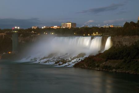 American Niagara Falls at Night Фото со стока