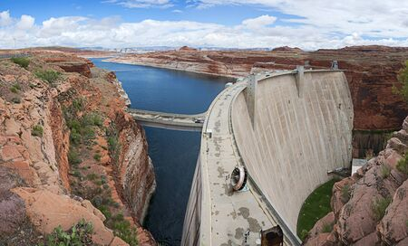 glen: Glen Canyon Dam near Page, Arizona, USA.