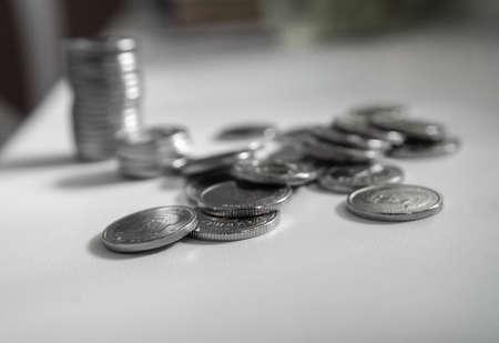 Finanzen, Bankwesen, Wirtschaft, Geld sparen. Ukrainische Griwna mit geringer Schärfentiefe. Nationale Währung hautnah.