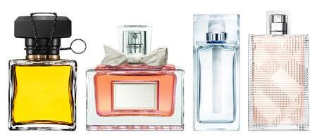 botella: Conjunto de botellas de perfume de lujo, aislado en fondo blanco