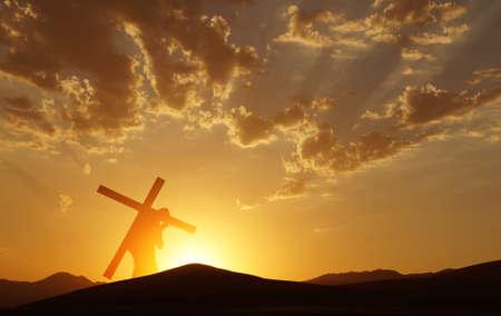 Cristo que lleva la cruz hasta el Calvario el Viernes Santo sobre el cielo brillante