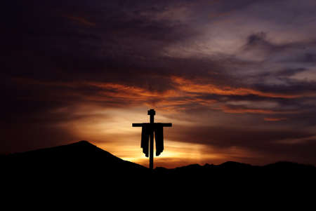 Silhouette of Christian cross at sunrise or sunset concept of religion 스톡 콘텐츠