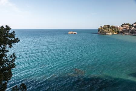 Giardini Naxos Taormina views in the spring Foto de archivo