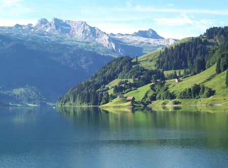 Waitlagersee lake and mountains