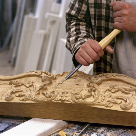 artisanale: artisanale werken met beitel