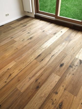 抽象的な背景木の床の板がある windows のパス