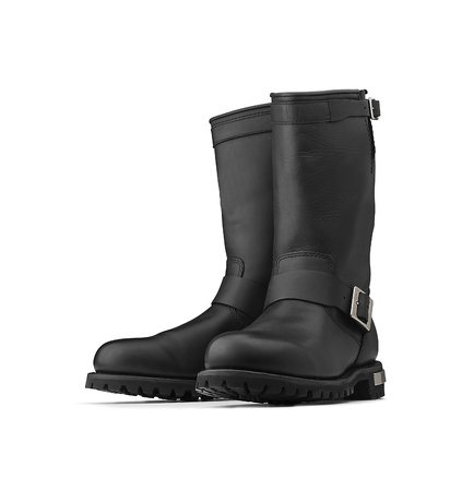 brune: Pair of black boots (clipping path) Stock Photo