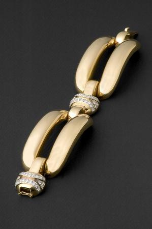 gold bracelet with diamonds photo