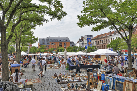 local 27: BRUSSELS, BELGIUM - JULY 27, 2014: Flea market at Place du Jeu de Balle on July 27, 2014 in Brussels. The market takes place daily and is popular among local people and tourists. Editorial