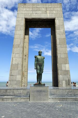 leopold: DE PANNE, BELGIUM - JULY 03, 2016: Statue of Belgian king Leopold I at the Esplanade, De Panne, West Flanders, Belgium Editorial