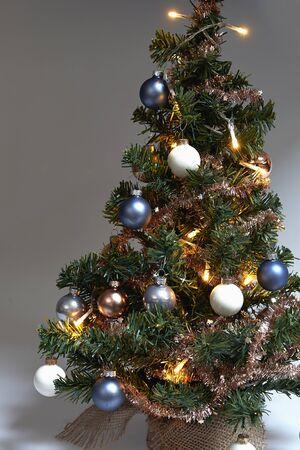 knack: Mini Christmas Tree on gradient background Detail