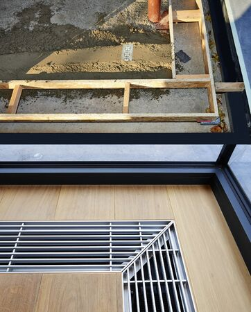 Heating grid with ventilation by the floor in hardwood flooring- preparation and finition