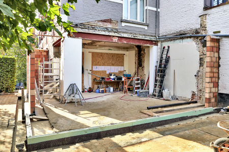 New wall and ground for a modern extension of a house Standard-Bild