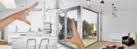 Geplante Renovierung einer offenen modernen Küche vom Dachboden mit Blick auf einen üppigen Garten