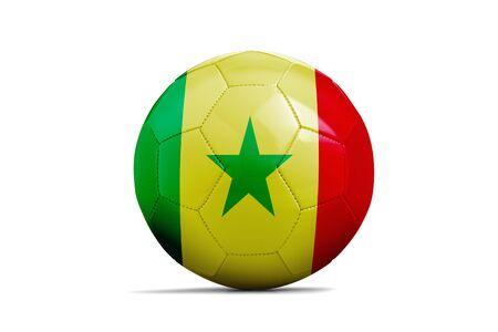 Fußballkugel lokalisiert mit Teamflagge, Russland 2018. Senegal