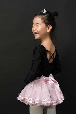 Asiatisches kleines Mädchen Ballerina Standard-Bild - 50790628