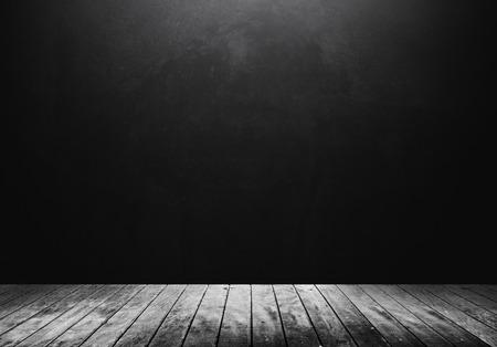Houten vloer met een donkere achtergrond