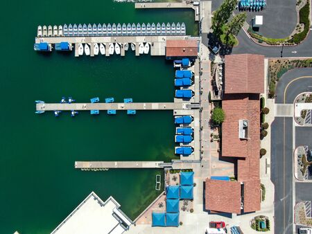 Aerial view of Lake Mission Viejo, with recreational facilities and small pier at Playe Del Norte. Orange County, California, USA Foto de archivo