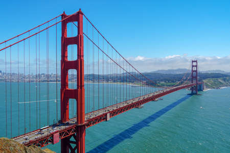 Golden Gate Bridge, suspension bridge. The structure links the American city of San Francisco, California, the northern tip of the San Francisco Peninsula to Marin County, USA. July 13th, 2020 Imagens