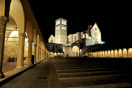 consecrated: Night shot of the Cathedral of Assisi, consecrated to St. Francesco, taken from Piazza San Francesco.