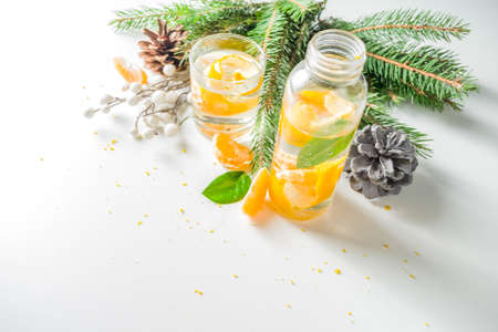 Christmas Clementine and ginger gin cocktail Imagens